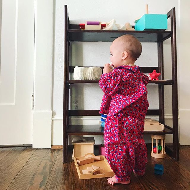 Amazing seeing my little granddaughter growing and exploring every day... and in her mommy's outfit, no less! ☺️ #grandma #grandmagram #mousefeathers #babiesofinstagram  #montessoribaby