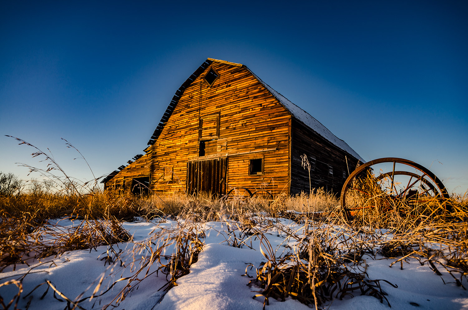 golden_hour_barn_2_web.jpg