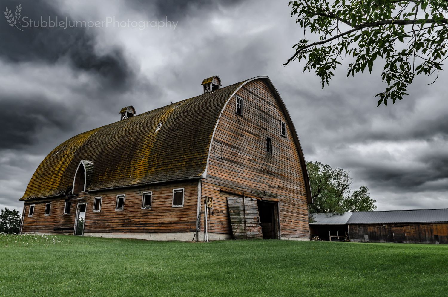 Brothers Arch Barn