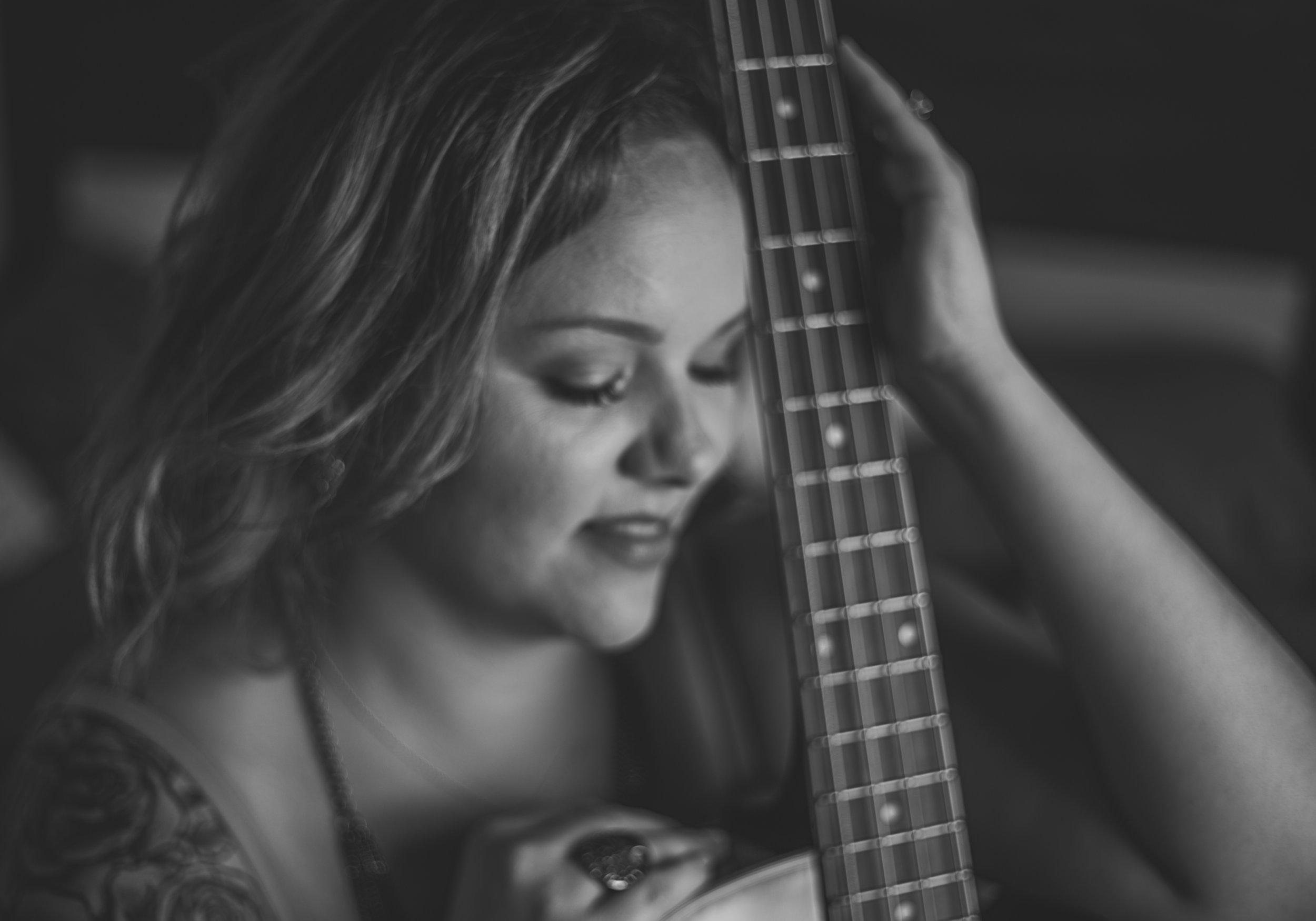guitar-boudoir-photos-lake-jackson-texas-sincerely-you-portraits