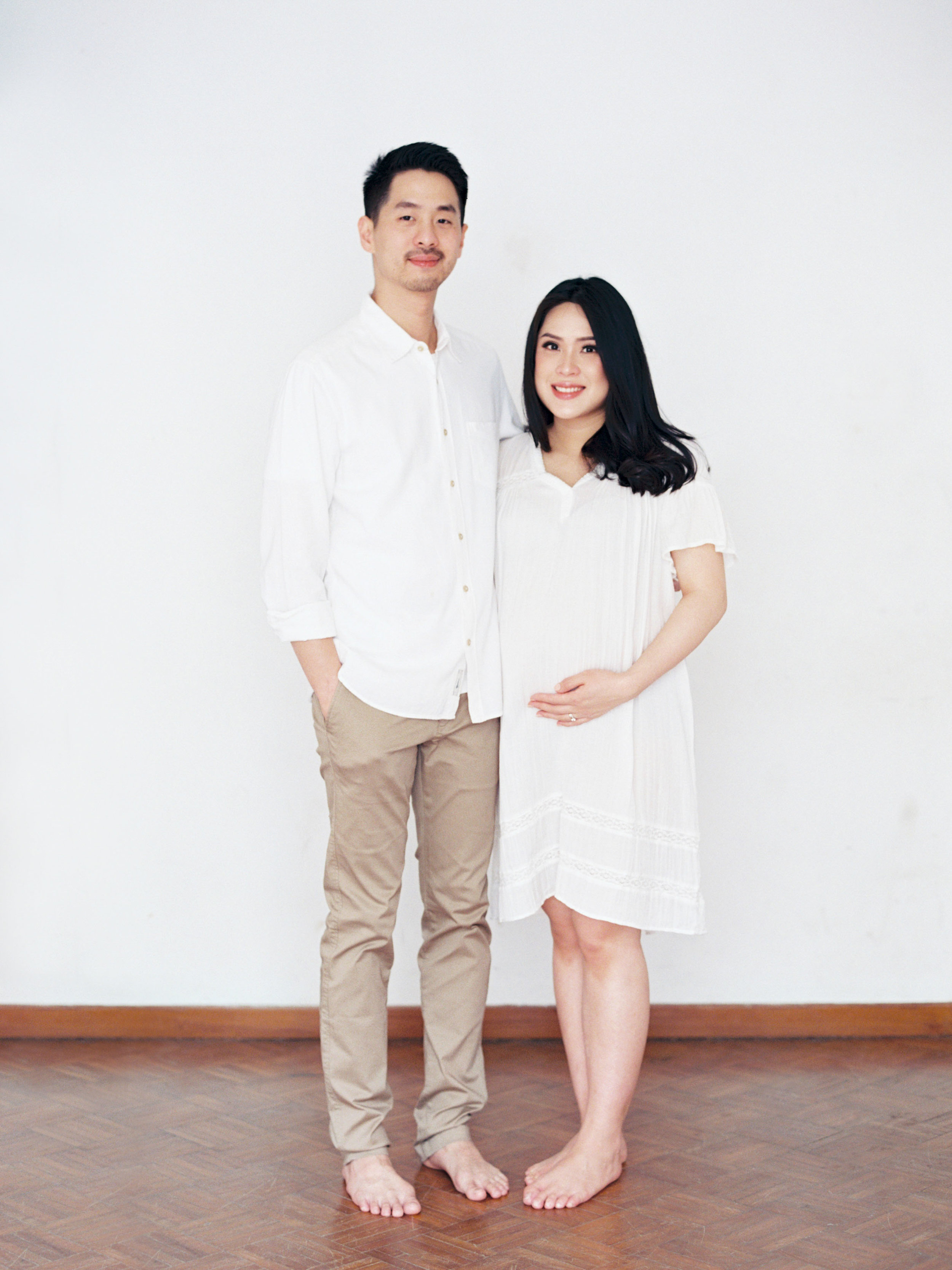 Gaby and Tim-Relaxed-Airy-Simple-Maternity Portrait Photoshoot-At Home-Jakarta-Studio June-Film Photography & Styling-28.jpg