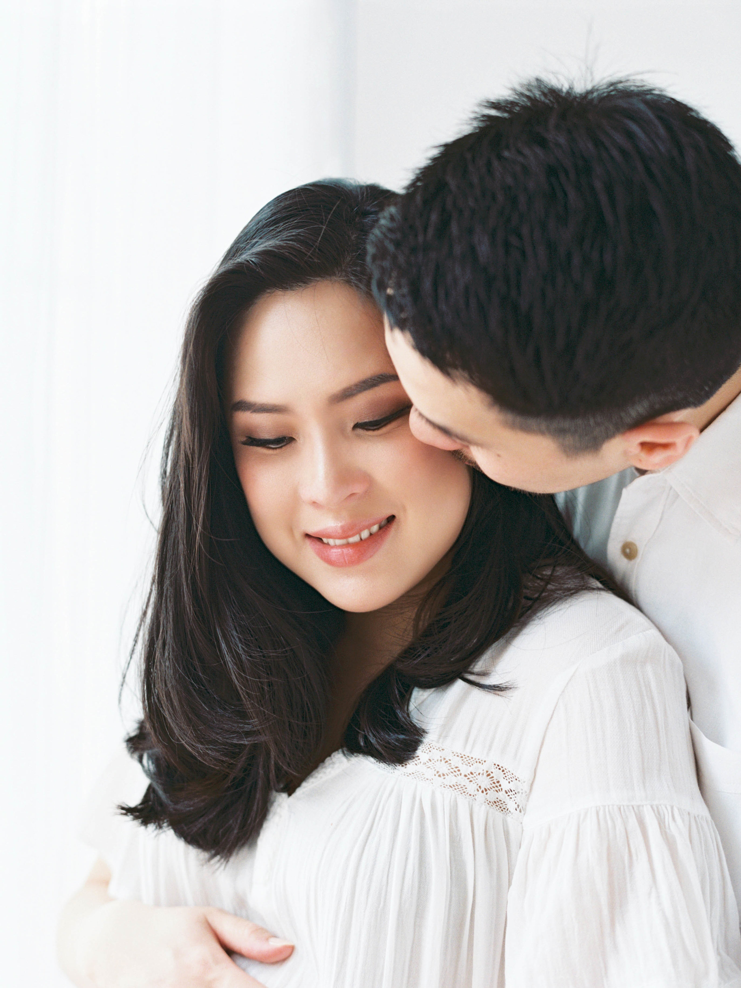 Gaby and Tim-Relaxed-Airy-Simple-Maternity Portrait Photoshoot-At Home-Jakarta-Studio June-Film Photography & Styling-53.jpg