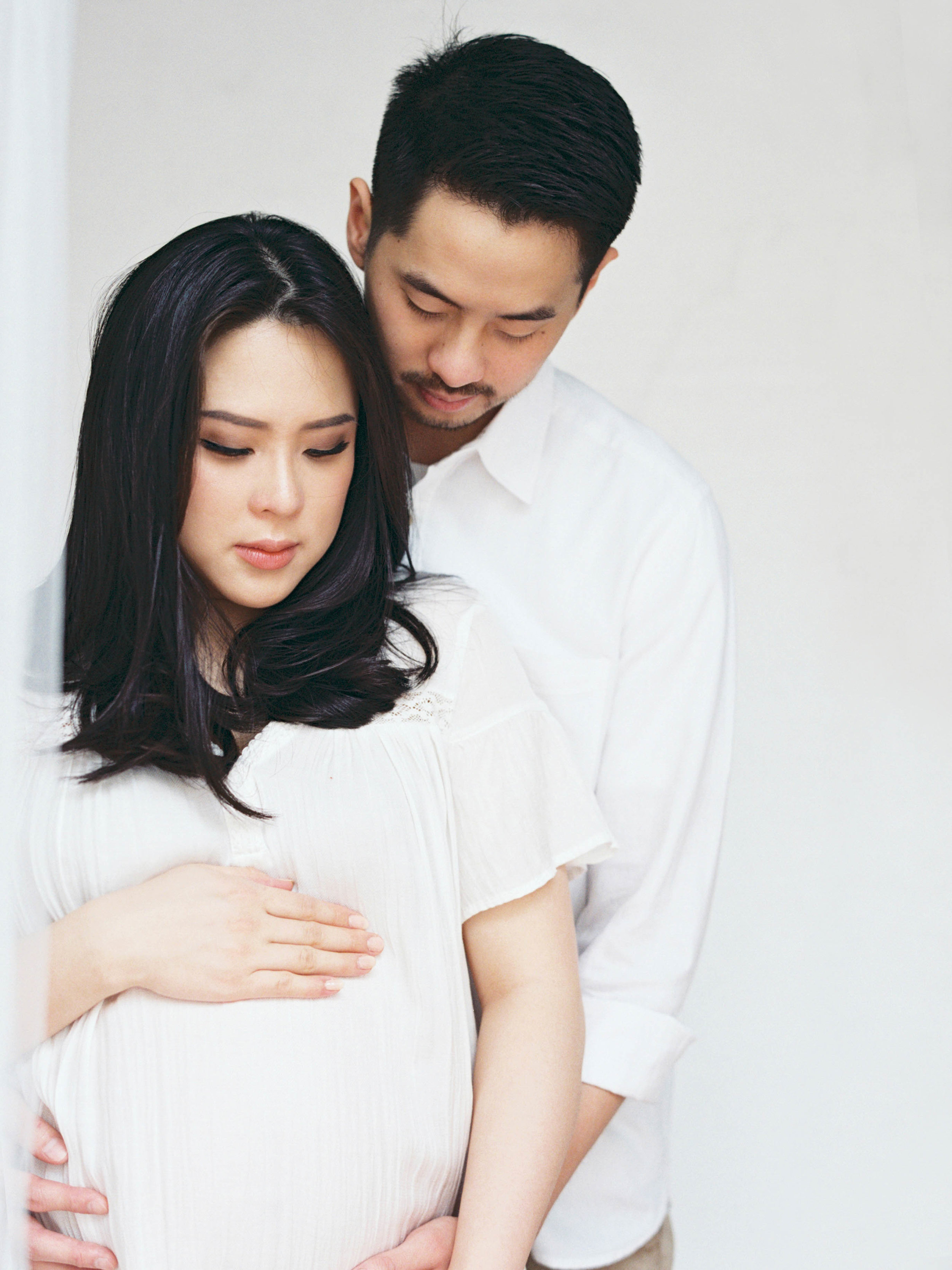 Gaby and Tim-Relaxed-Airy-Simple-Maternity Portrait Photoshoot-At Home-Jakarta-Studio June-Film Photography & Styling-54.jpg