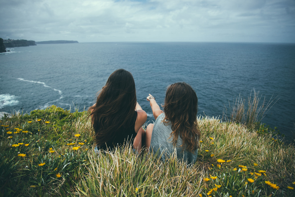 CliffsWithLea&Julia-5.jpg