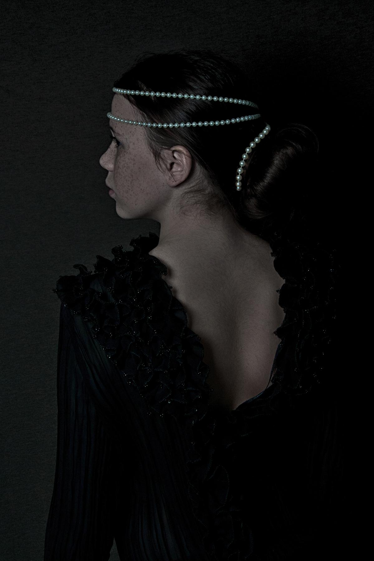 05 pearls in black.jpg