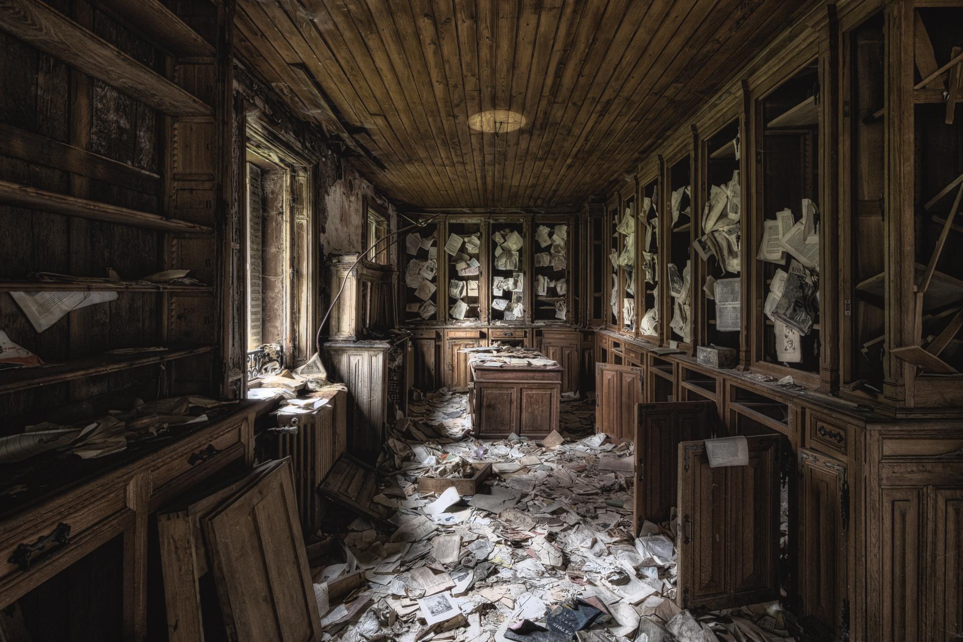 amelies library.jpg