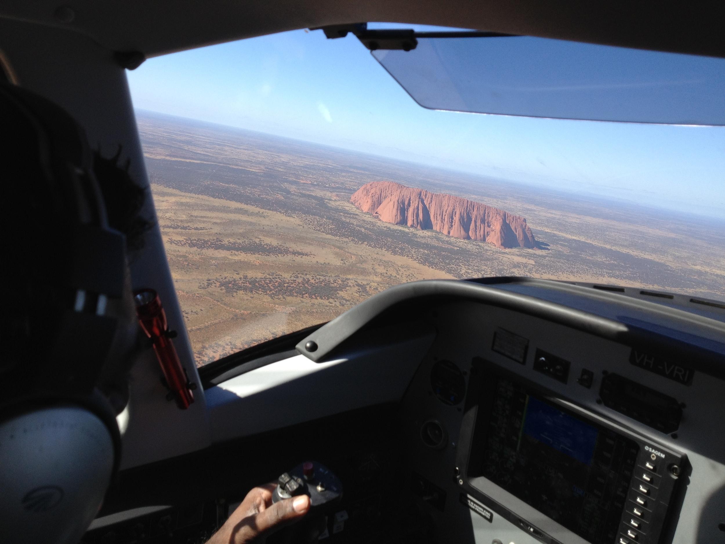 AyersRock-FlyingTour.JPG