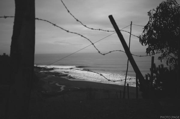 fence-no-surfer1-copy-2-600x399.jpg