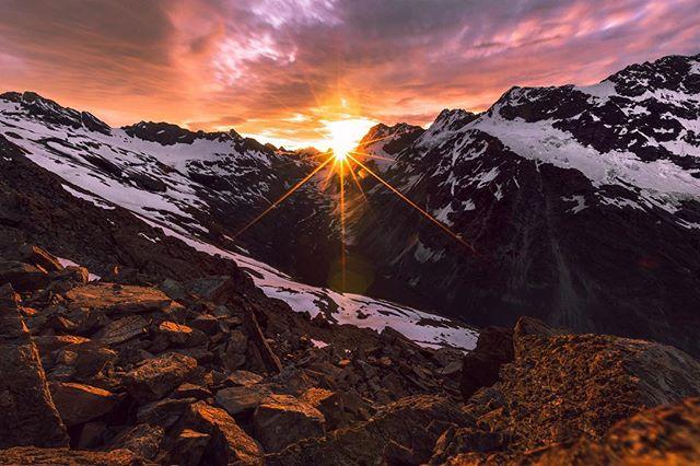 🧗🏿♂️ @bignatureadventures #mountains #newzealand