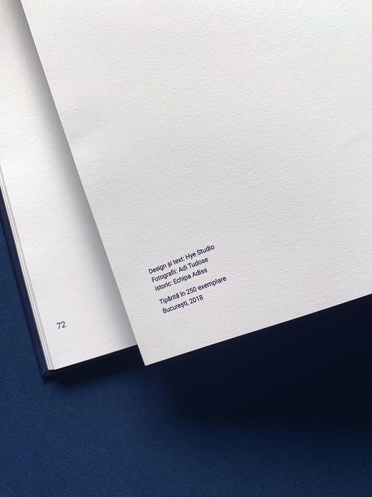 Book-detail-02.jpg