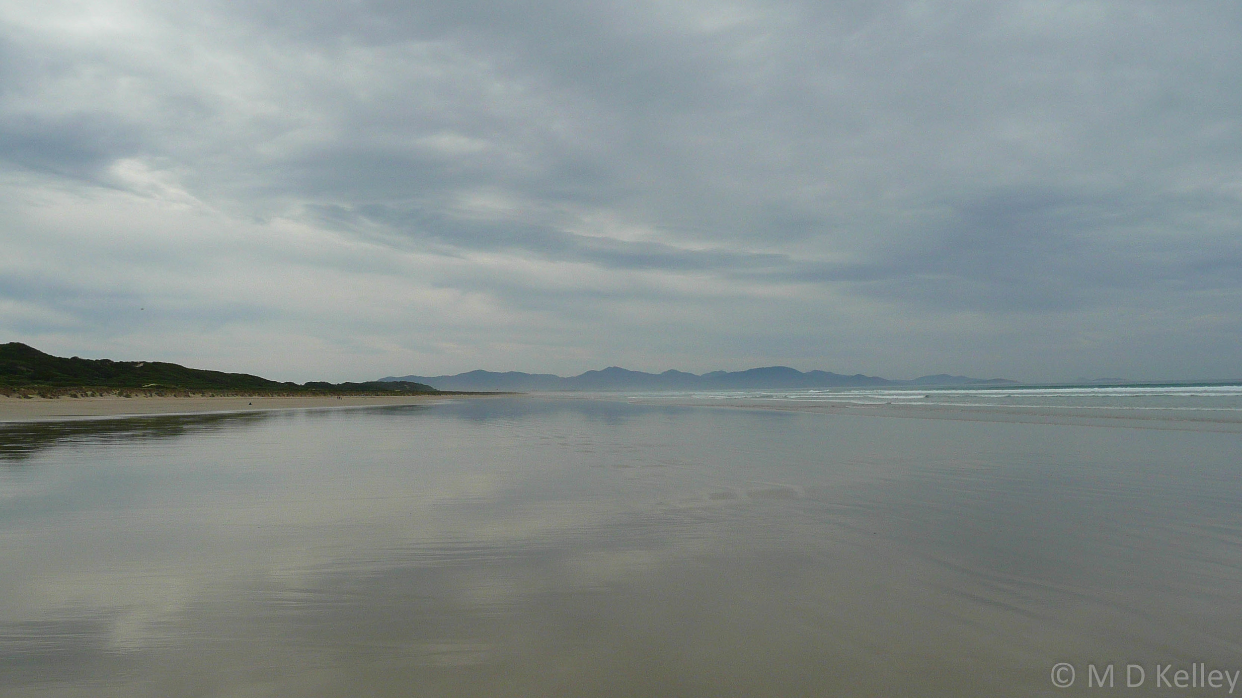 Wilsons Promontory from Sandy Point Beach, Panasonic DMZ-TC3.jpg