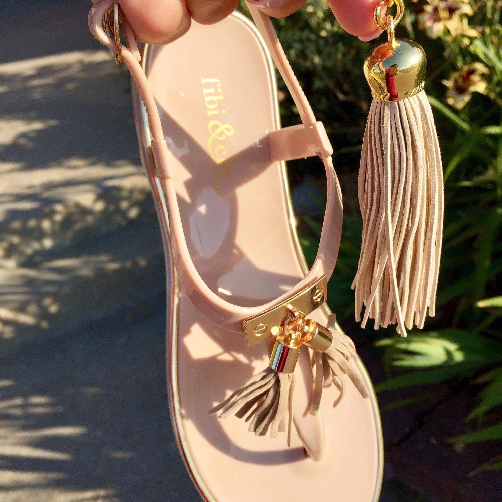 You could win this! The Cabana Jelly in  beige with gold trim .  Photo by Kathy Roush