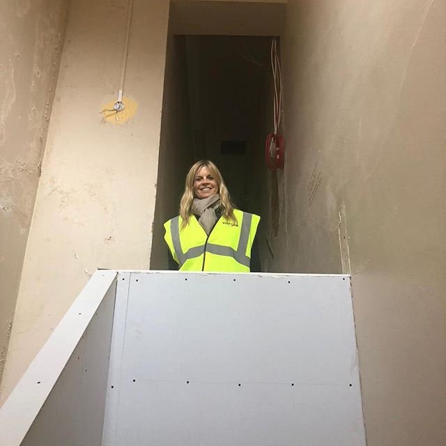 A year-ago today, our founder, Clare Milford Haven, received the keys to James' Place. Since then, the building has been transformed, a small team has been assembled and almost 100 men experiencing a suicidal crisis have been seen. We have been blown away by the support that we've received from our local and national fundraisers and continue to be overwhelmed by the generosity of the people that reach out to us. We look forward to strengthening the relationships that we've made with local organisations whom we've had the pleasure of working alongside. Over the next 12 months, we aim to increase our capacity and improve our service. From the bottom of our hearts we thank you for your ongoing support as we will continue to spread the word that suicide is preventable 💙 #jamesplace #mentalhealth #liverpool #breakthestigma #timetotalk