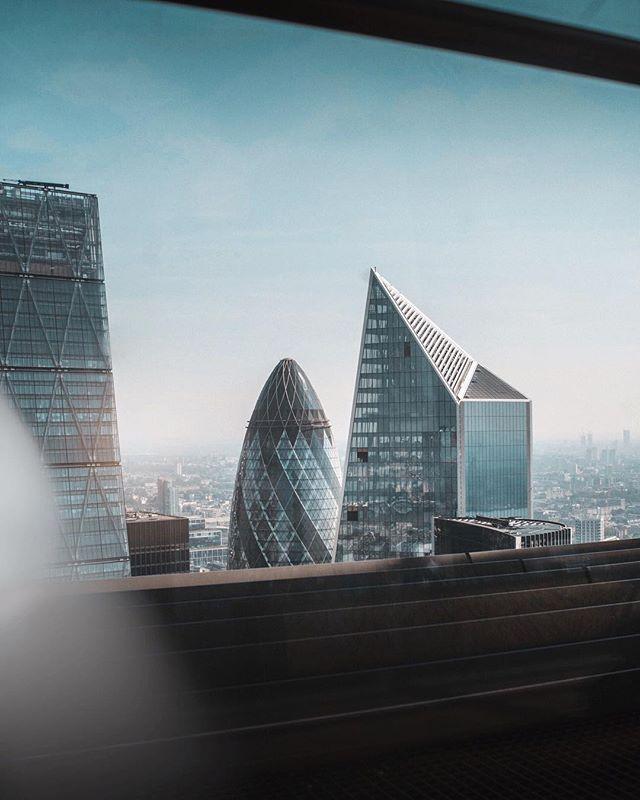 I see you Gherkin 👀  #gherkin #london #thisislondon #view #skyscraper #skygarden #london_only #ldn #visitlondon #snapshot #photography #teampixel  #lensbible #uk_shooters #themoderndayexplorer #lightroom #city