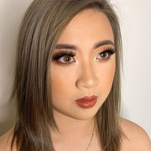 Phone camera quality close up of @tna.huynh_'s birthday makeup 🥰 do you guys prefer phone or camera photos? ——— Product details in previous post 😊