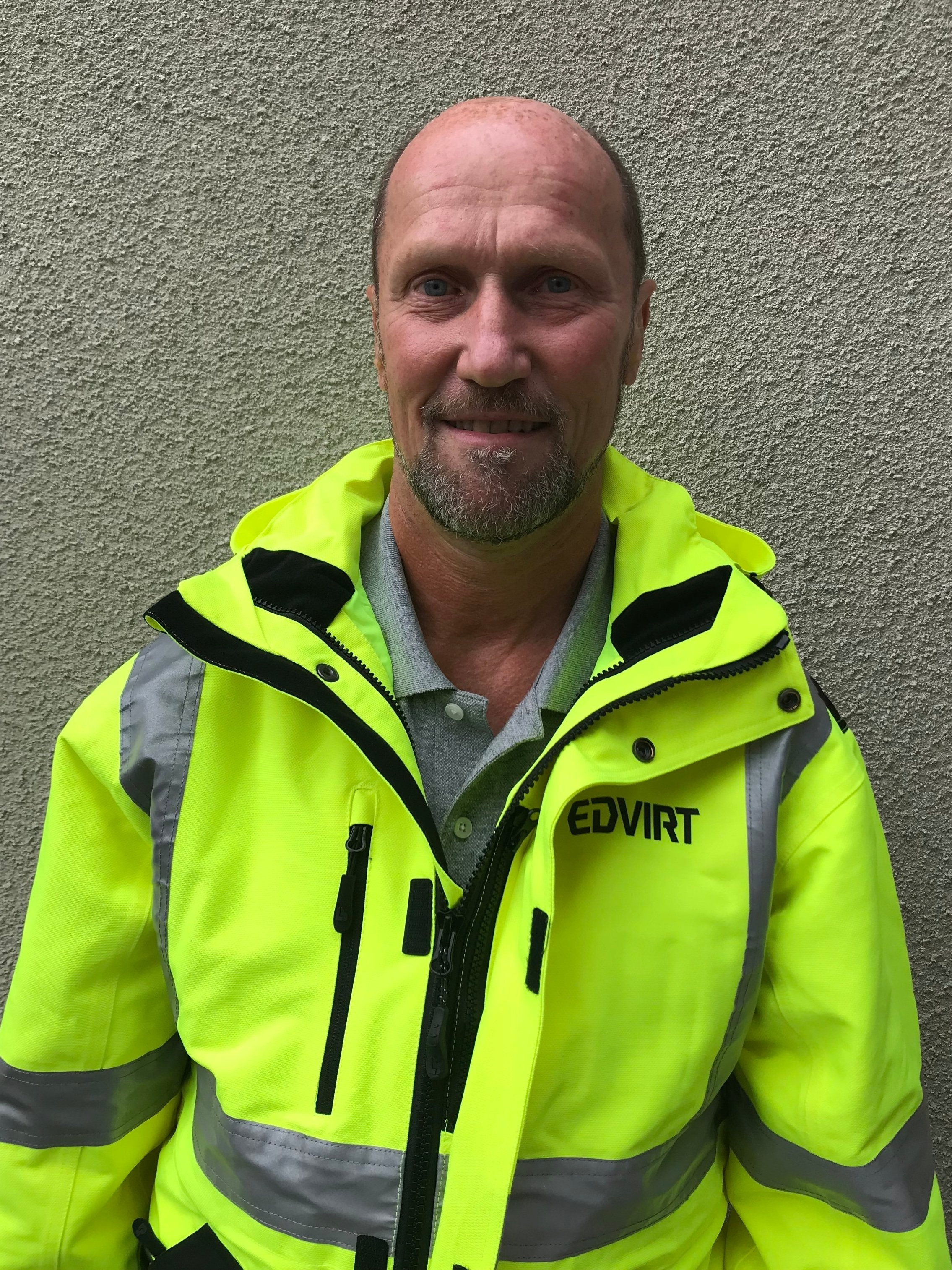 TOMMY - Tommy has been in the tunneling industry over 40 years. He has been holding various position, from Production manager to Head of Technology. Outside of work he enjoys half-marathons and cross country traveling with his family in their RV.Areas of expertise- Concrete spraying (hand held and mechanical)- Bolting (manual)- Hard rock grouting