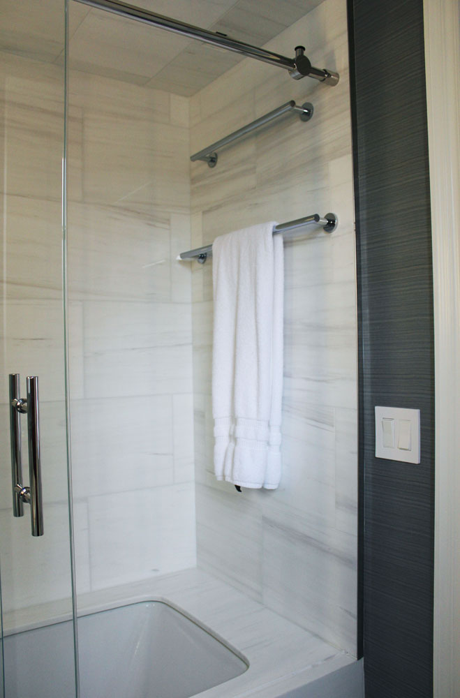 BATHROOM 14.jpg