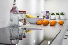 modern-kitchen-interior-design-white-38821078.jpg
