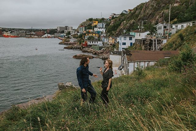 Yesterday I got to photograph a beautiful engagement session with Holly, Ryan and their adorable pup. It was a typical August evening in Newfoundland: cold, rainy and windy. 😂 But that didn't stop us from exploring the area and sharing a few laughs.  I can't wait to photograph their wedding this winter. • • • #thebattery #downtownstjohns #stjohnsnl #yyt #newfoundlandlabrador #engagementphotos
