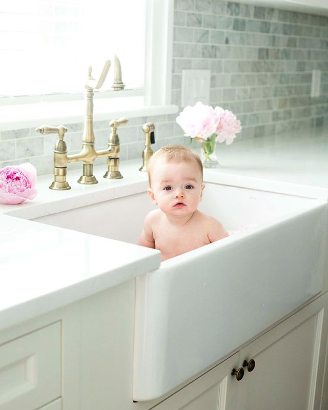 Sink special is going on till August 15th! #simplymothers #simplymotherhood #clicknmoms #babiesofinstagram #babiesinsinks #farmhousesink #peonies