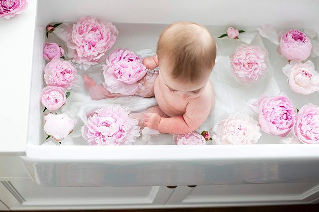 Babies & peonies...doesn't get much cuter! Oh, and bubbles! 🥰🤗😊