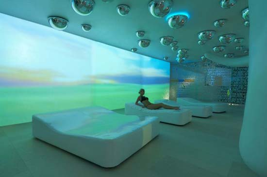 atomic-spa-09-interior-wall-lights11.jpg