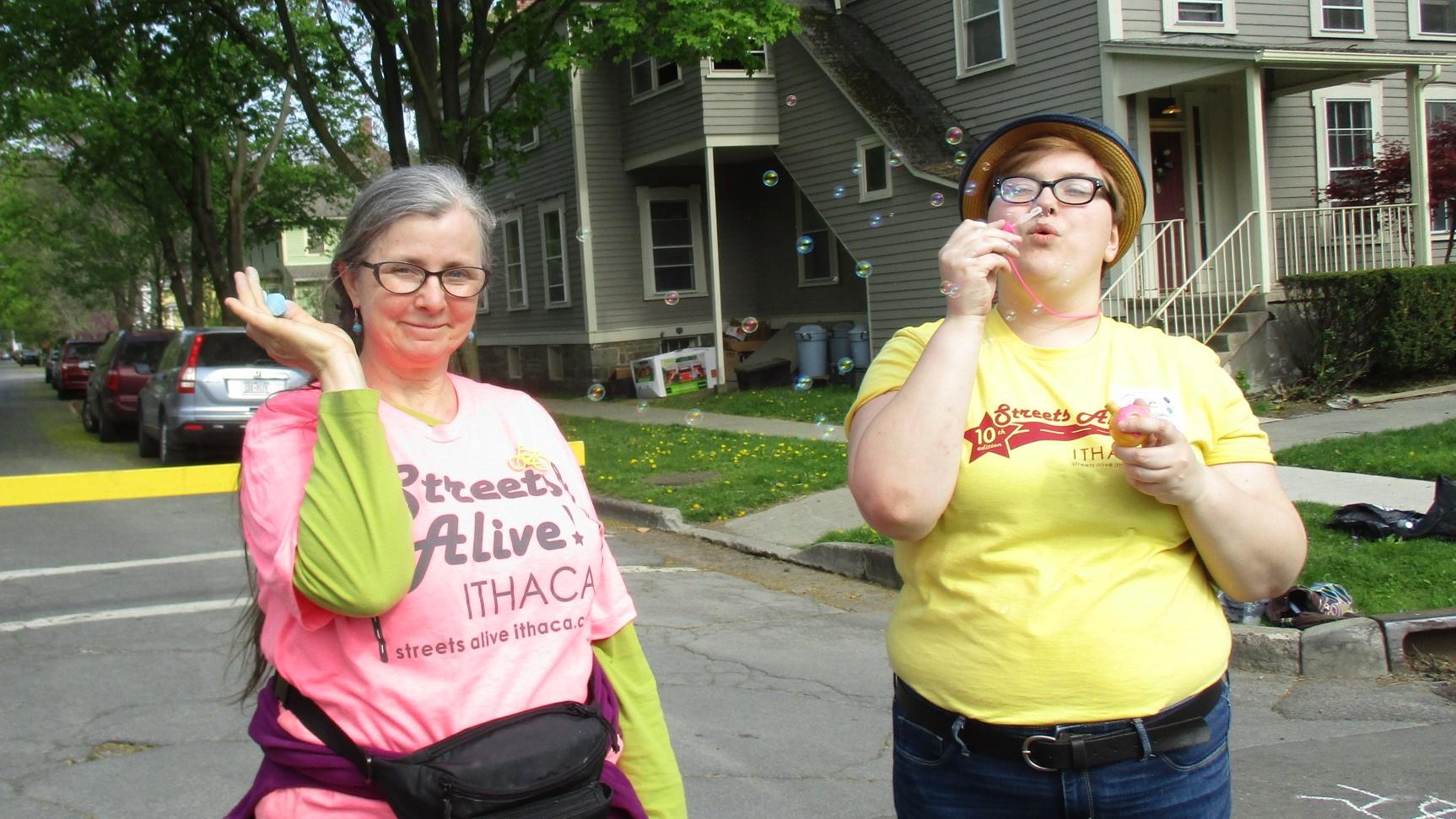 Volunteer Nina & Rae.JPG