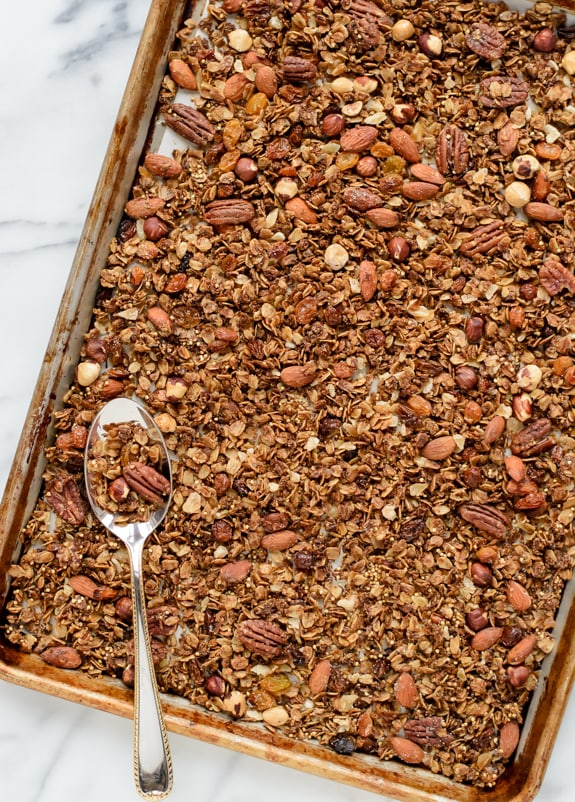 Gingerbread-Granola.-The-best-healthy-granola-recipe-with-nuts-and-spices.jpg
