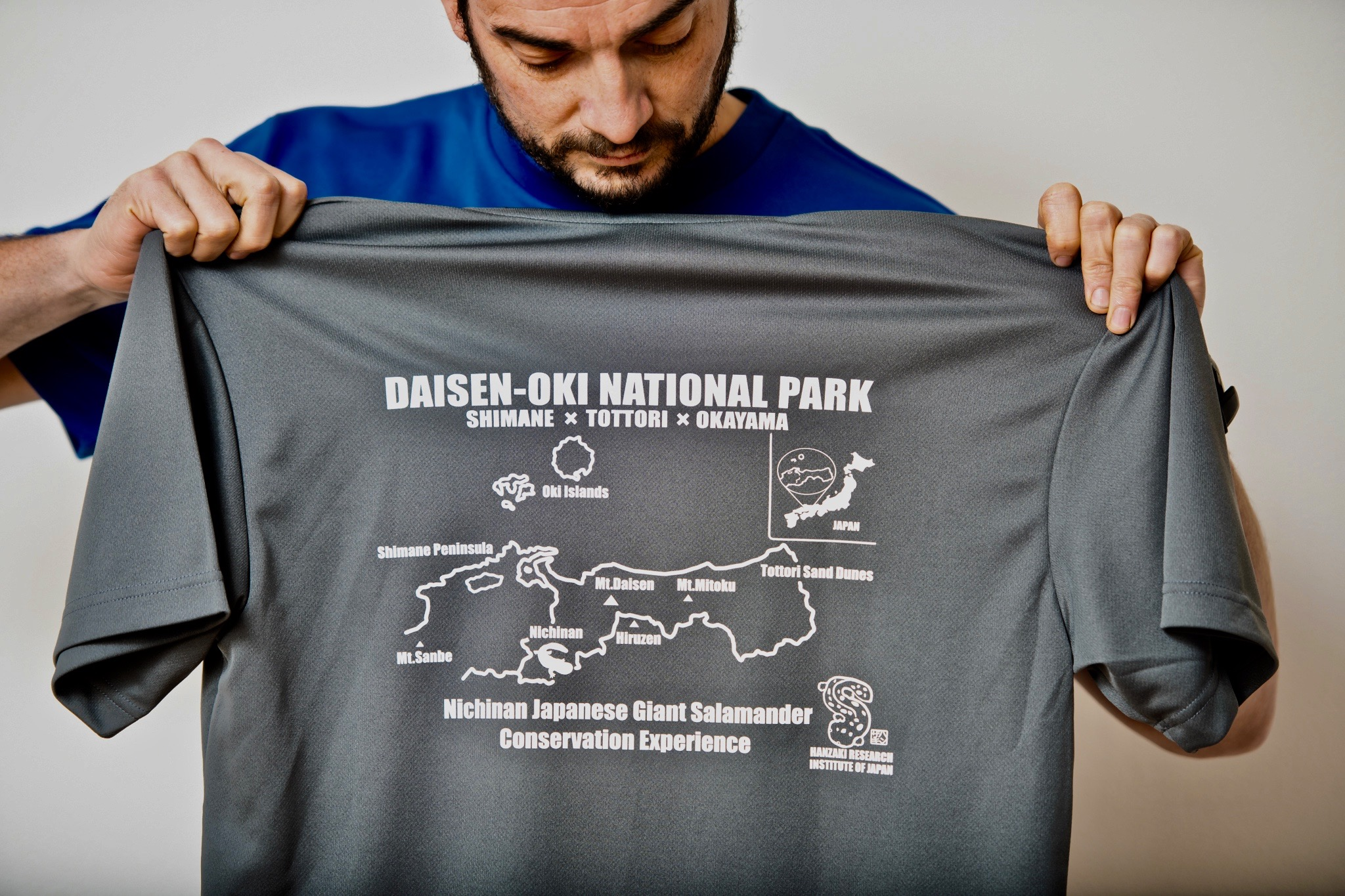 t-shirt back grey (1).jpg