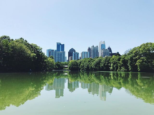 #Throwback to these beautiful views from @piedmontpark! . In July/August I will likely be saying goodbye to Sacramento for good. I'm ready for my next adventure! Not sure if that will take me back to LA, if I will try the Bay Area or even out of state places like #Atlanta or New York (yes I'll look into Philadelphia @amie.patel ☺️ lol), but I'm so ready and excited for my next step! If you any of you know of any jobs in digital marketing, content writing or media, send them my way! . . . . #piedmontpark #atl #atlskyline #vsco #vscocam #georgia #igdaily #photography #atlantalife