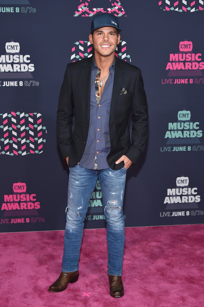 2016 CMT AWARDS