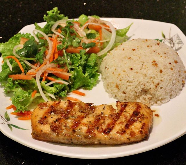 Grilled Salmon with Lemon Sauce and Garlic Rice • #food  #foodporn  #foodgasm  #foodgram  #foodstagram  #fotd  #ftd  #pho  #yummypho  #vietnamese  #vietnamesefood  #rice #sandiego  #oceanside  #goodeats  #insider  #foodbeast  #infatuation  #eater  #foodblog  #blog  #eat  #eats