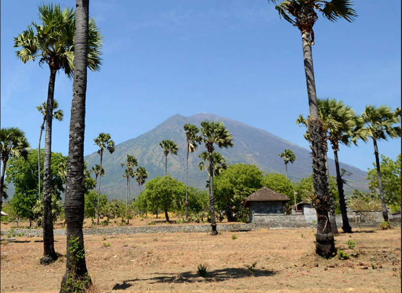 A view of Mount Agung volcano from Karangasem, Bali, Indonesia on October 6, 2017 (courtesy AFP/Getty Images)