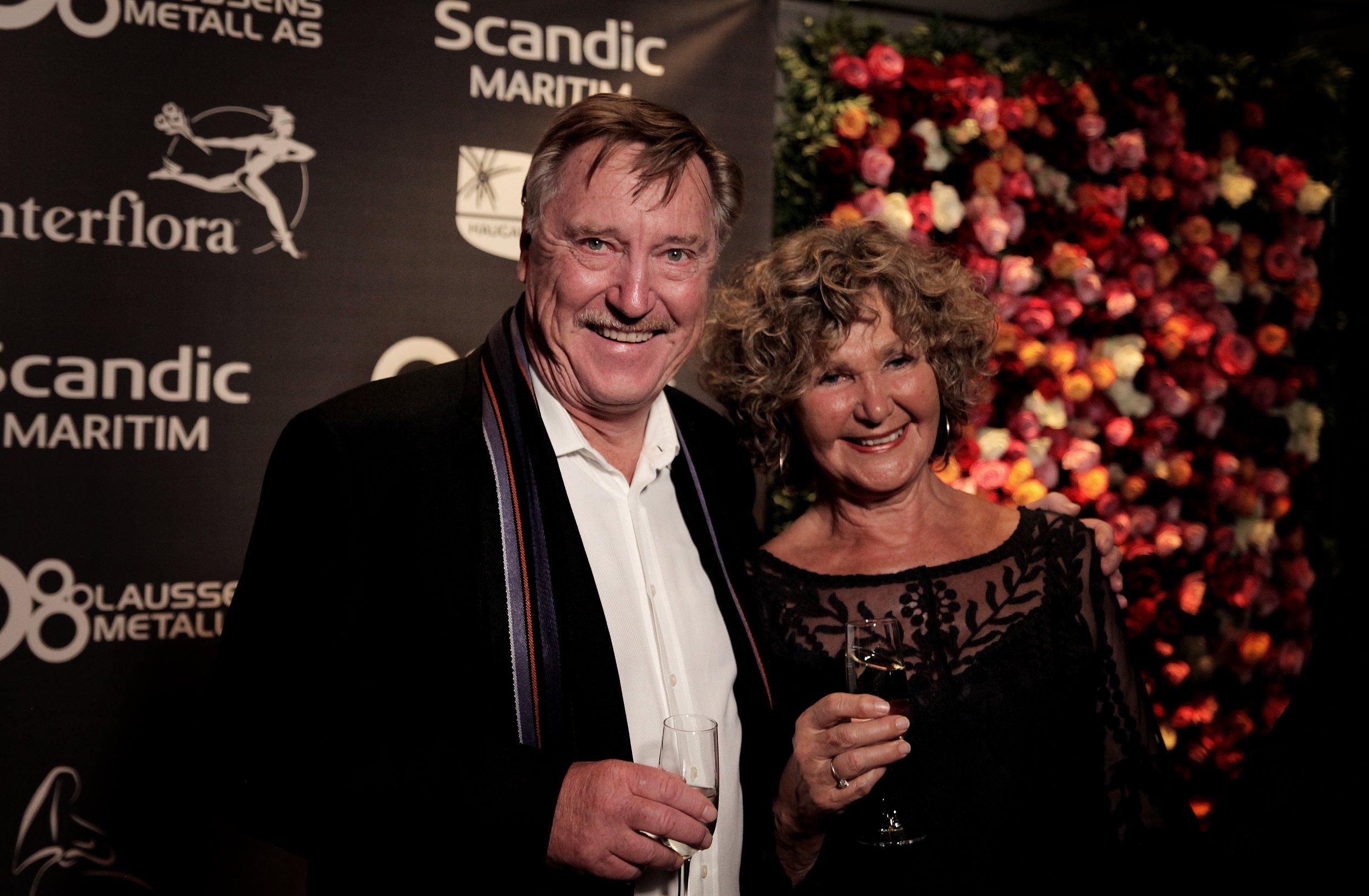 Axel Helgeland og hans kone Live Helgeland før Amanda-prisutdelingen i kveld. Foto: Mode Steinkjer, Dagsavisen.