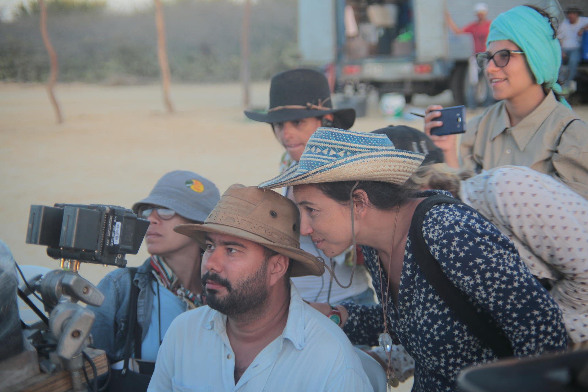 Regissørene Ciro Guerra og Cristina Galleo under innspillingen av BIRDS OF PASSAGE.