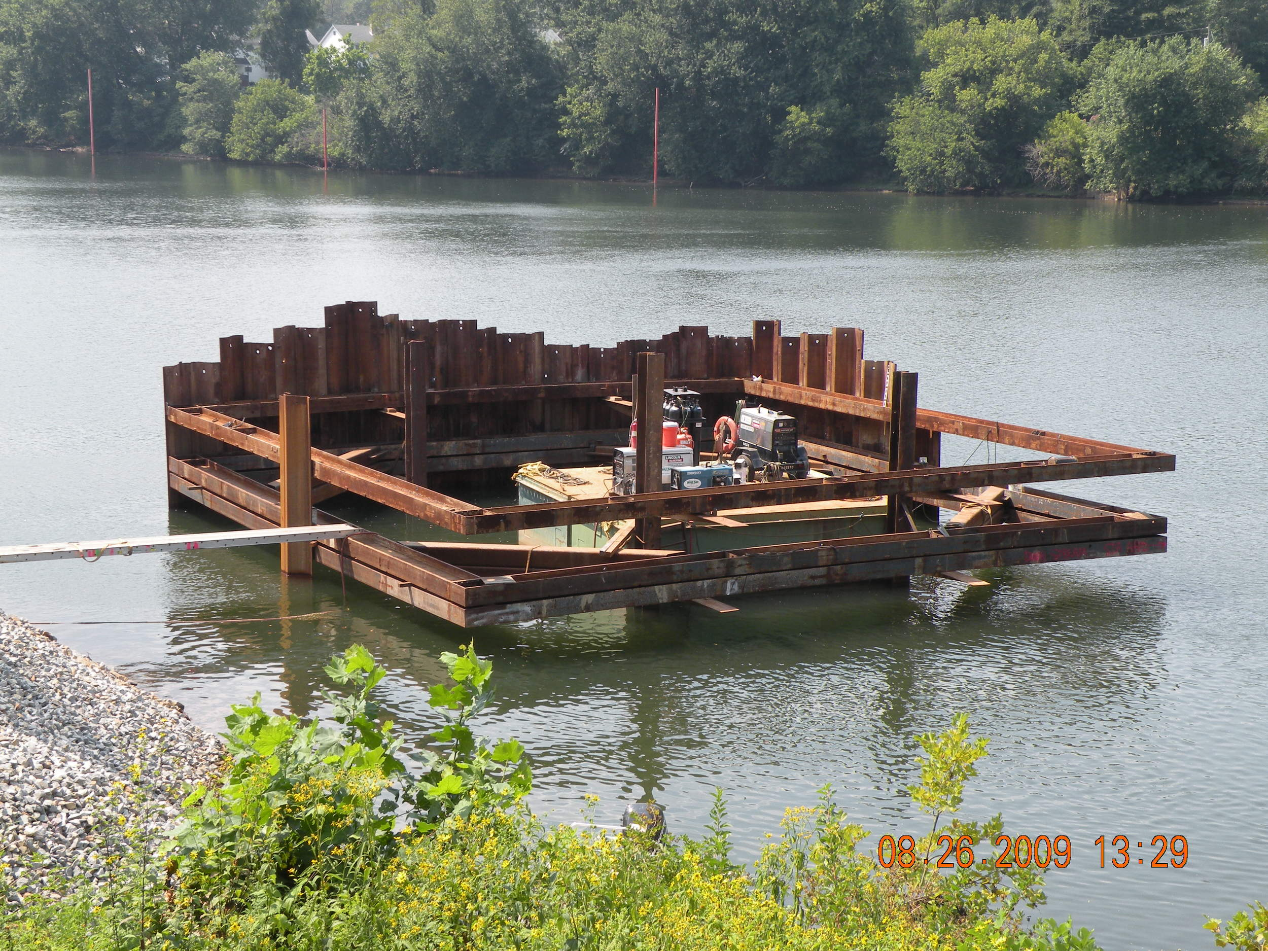 2009-08-26_Pier_3_Cofferdam[1].JPG
