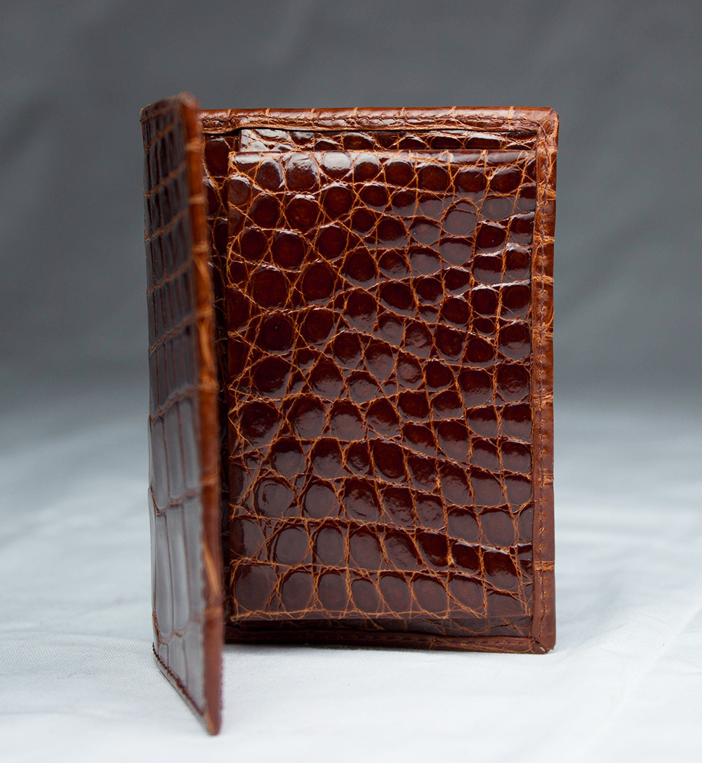 cognac-alligator-wallet-interior.jpg