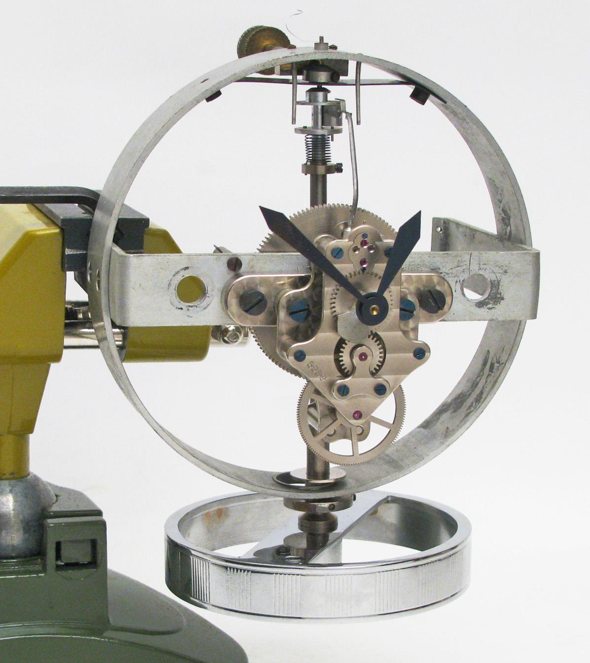 atmos-reutter-pendule-horloger-art-restaurarte.jpg