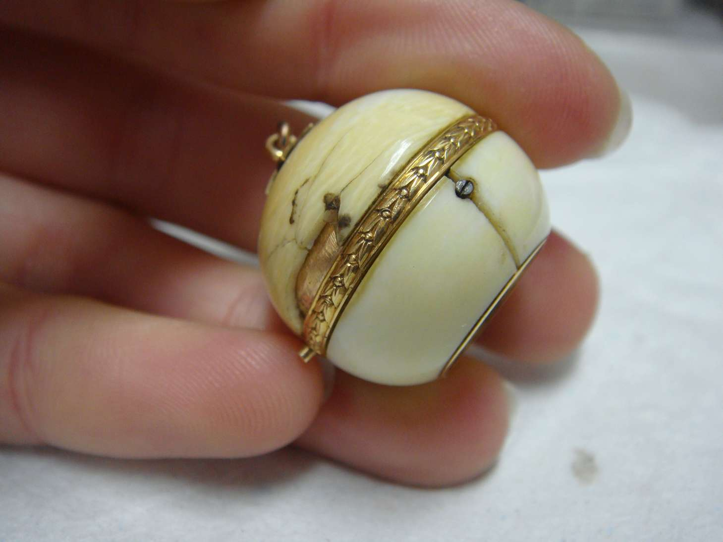boule-geneve-montre-luxe-ivoire-horlogerie-cabinotier-art-restauration-restaurarte-ancien.jpg