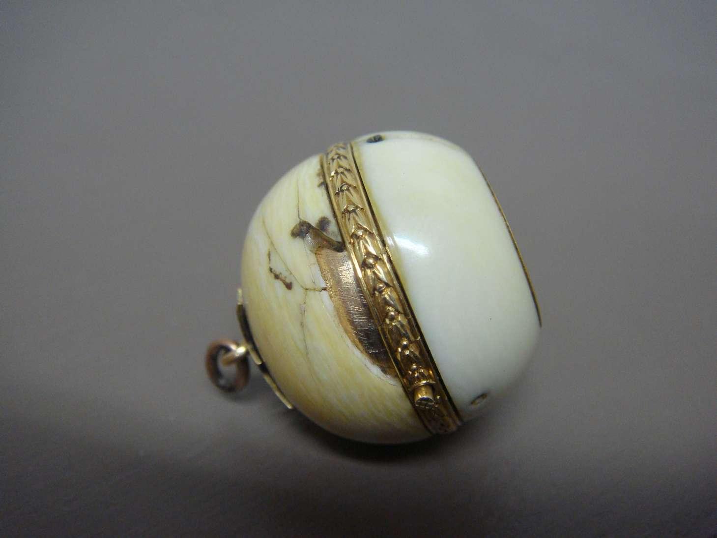 boule-geneve-montre-luxe-ivoire-reparation-horlogerie-cabinotier-art-restauration-restaurarte.jpg
