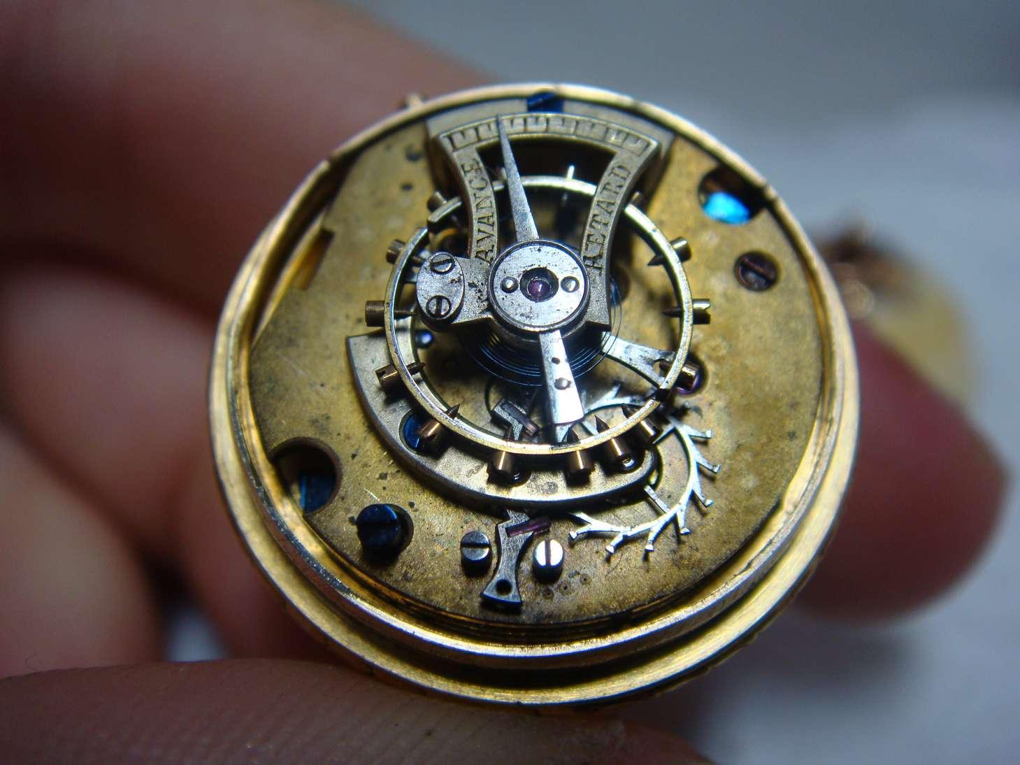 boule-geneve-montre-luxe-ivoire-horlogerie-cabinotier-art-restauration-restaurarte-mecanisme-reparation.jpg