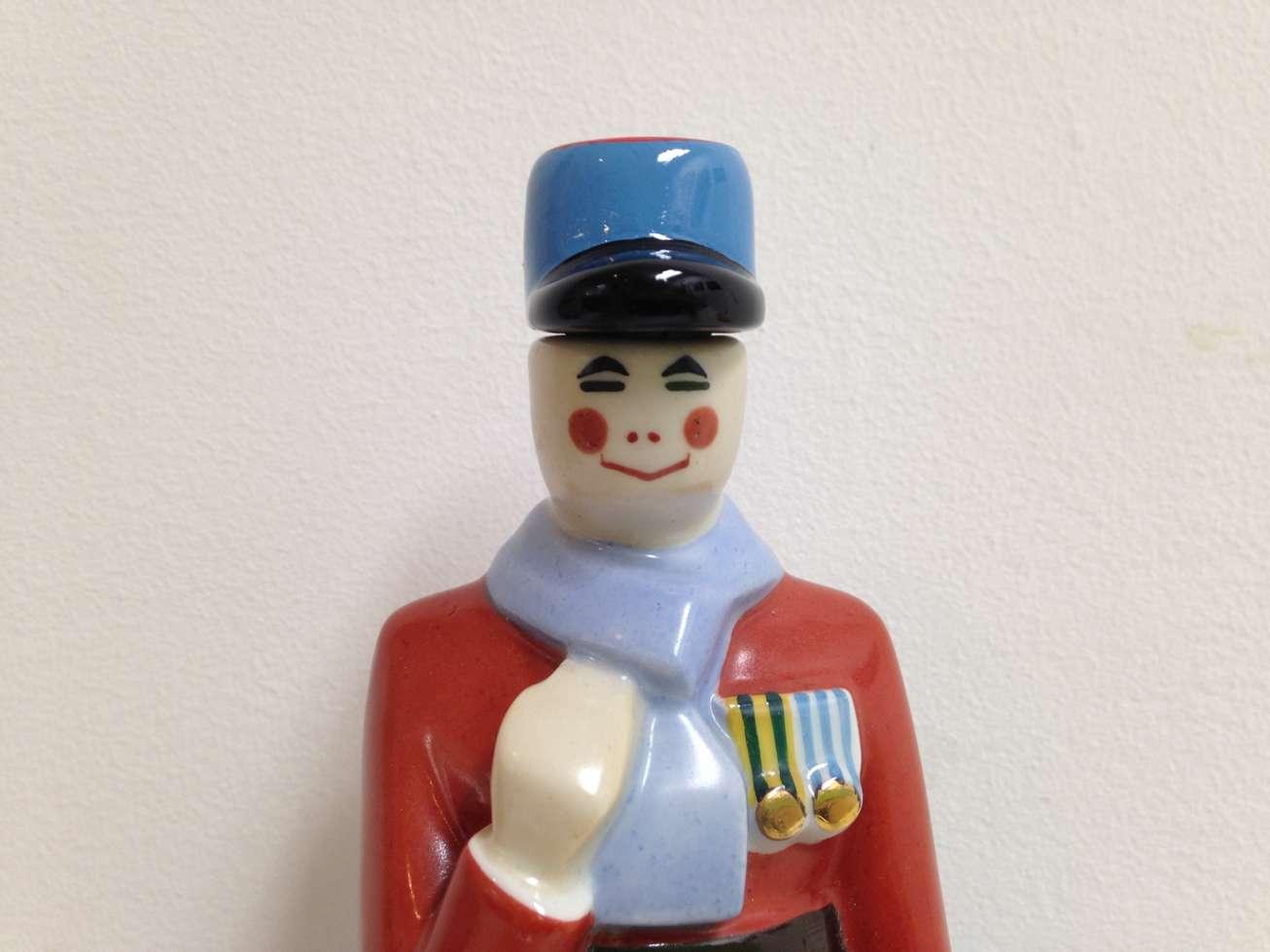 robj-bouteile-liqueur-bouchon-art-restauarte-gendarme.jpg