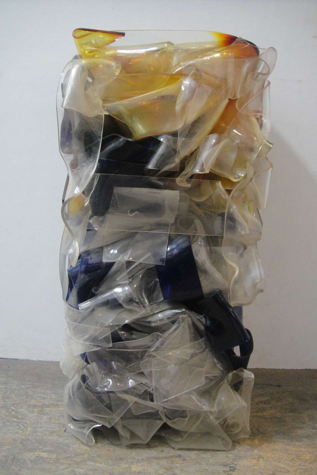 cesar-compression-plexiglass-restauration-restaurarte-art-resine.jpg