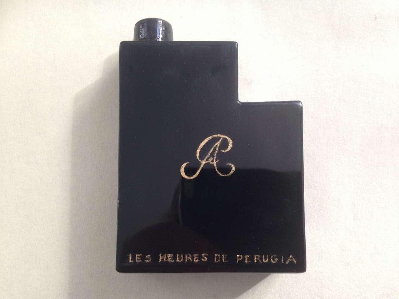 pate-verre-flacon-parfum-heure-perugia-noir-dorure-heures-soir-polissage-polish-art-restauration-reparation-restaurarte.jpg
