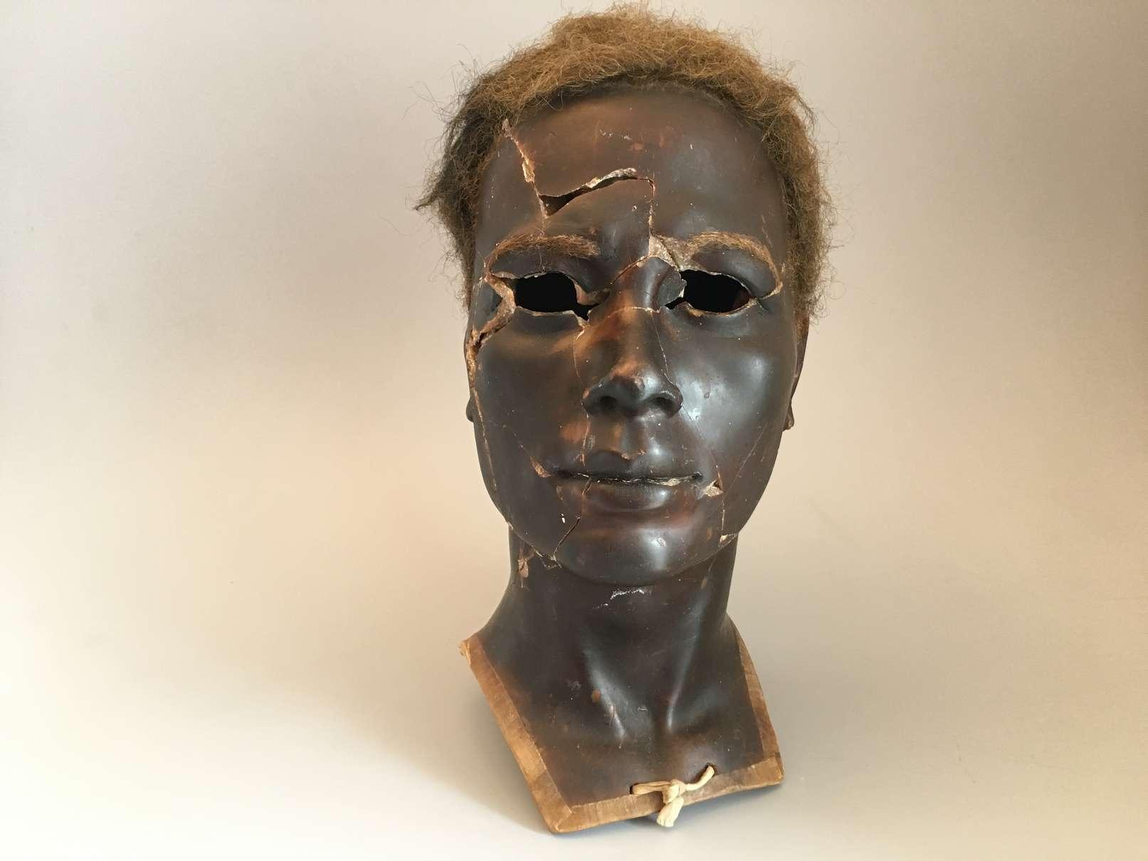 Reconstitution d'un mannequin en cire