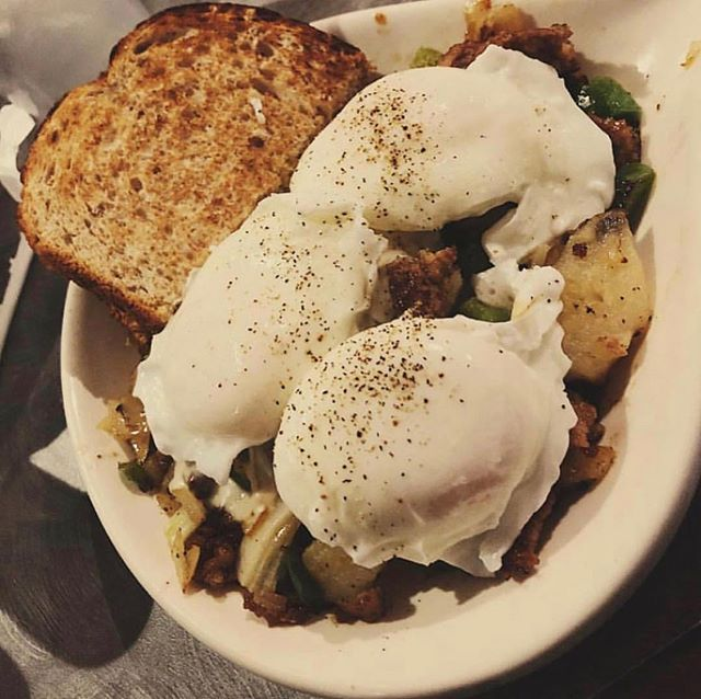 The sausage skillet is the ultimate hangover cure #breakfastcuresall #ucbearcats #eat513 #cincyeats