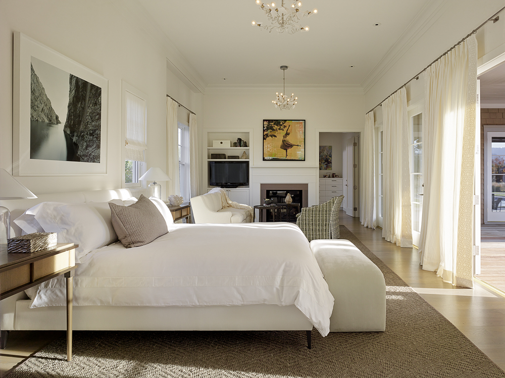 Wine-Country-Retreat_Haven-Studios_bedroom.jpg