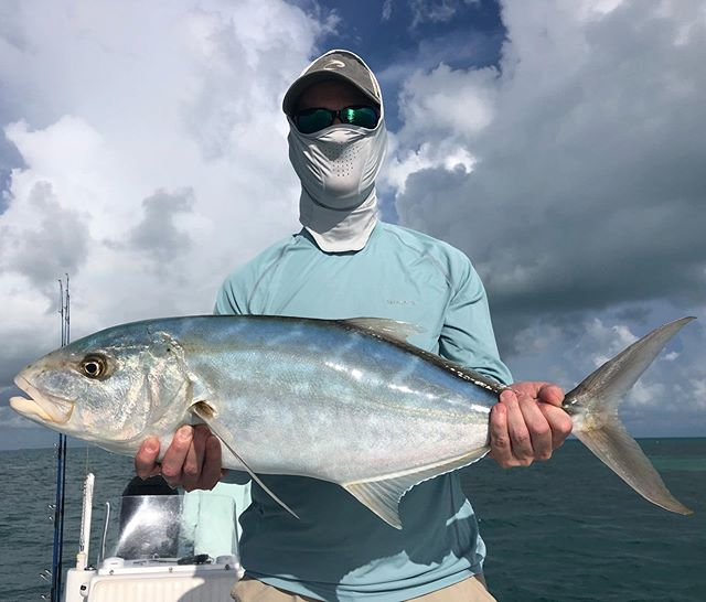 Nice #yellowjack before the rain! @aftco @oceanled @power.pole @jlaudio @biscaynerod @vanstaal @simmsfishing #aftco #oceanled #powerpoledown #howweplay #biscaynerods #vanstaal #simmsfishing #yellowfinboats #backcountryfishing #keywest #keywestfishing #flatsfishing