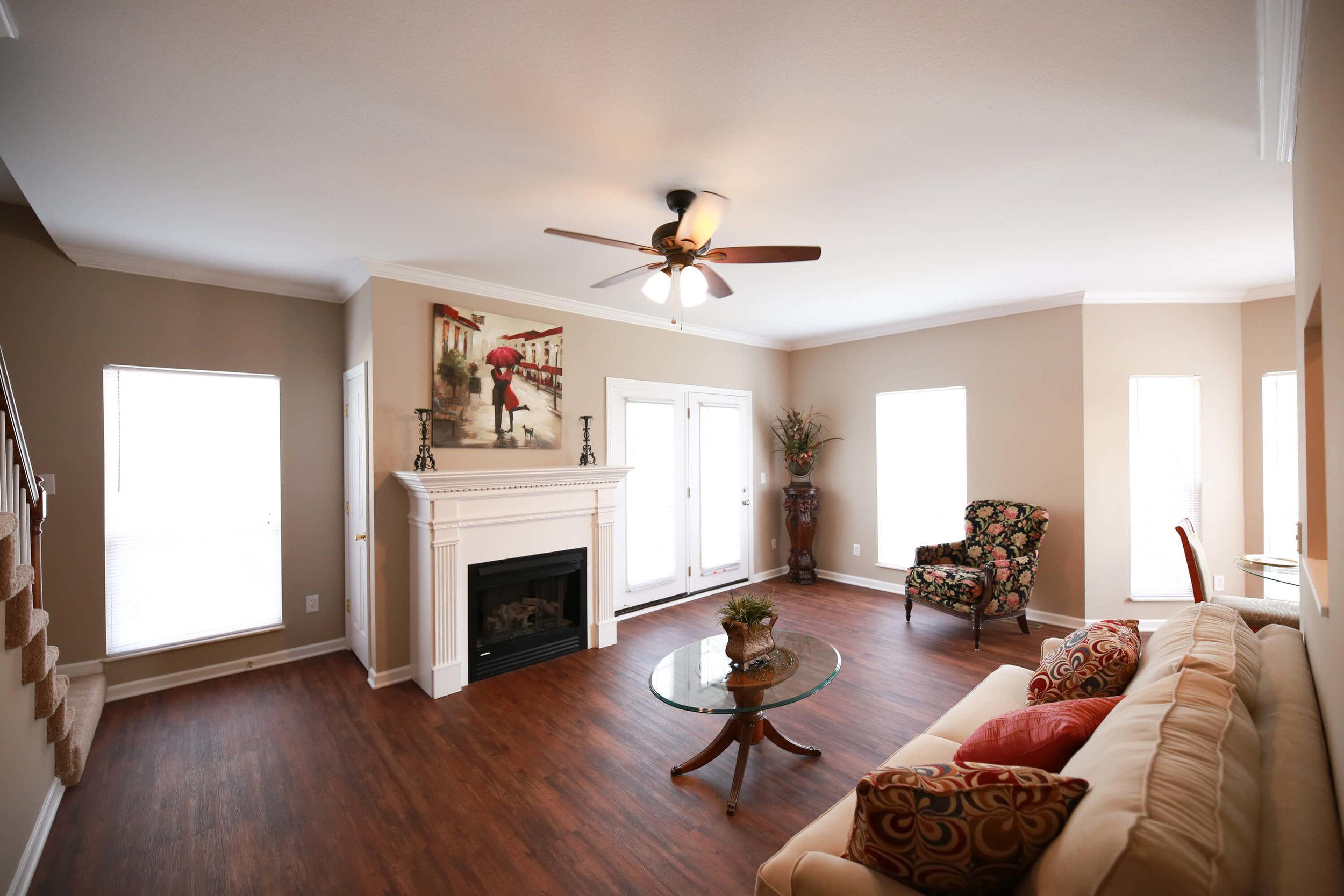 Lincoln Living Room (1).jpg