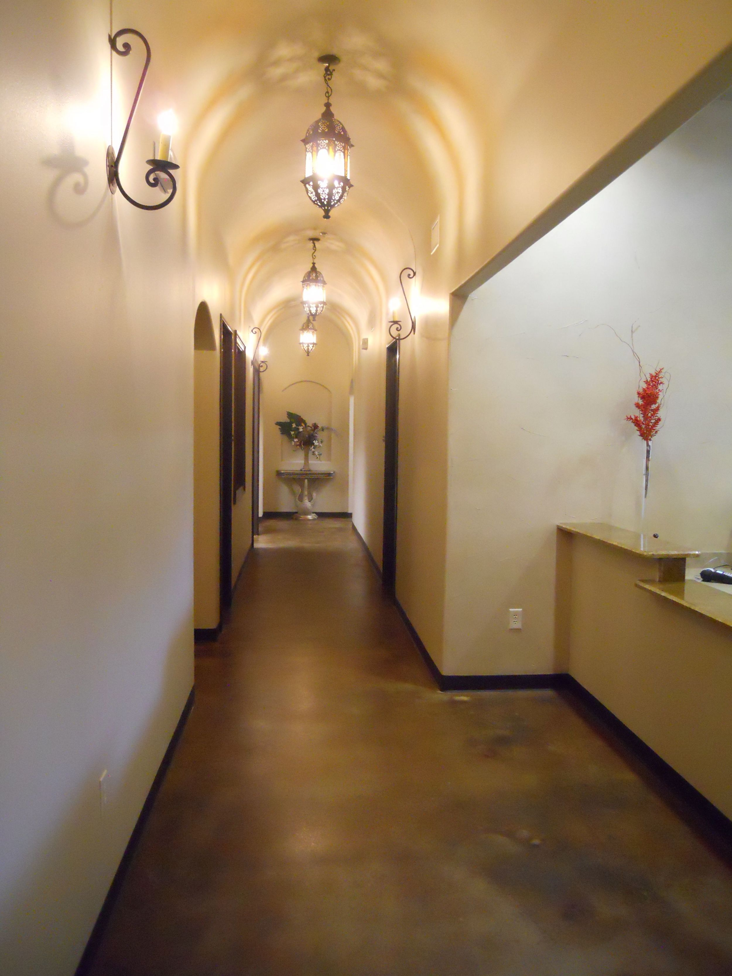 Hallway pic 1.jpg